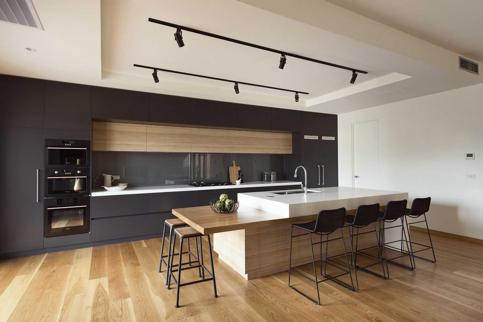 tủ bếp acrylic màu đen pma1